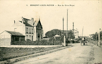 Saint-Prix en cartes postales - La rue du Gros noyer